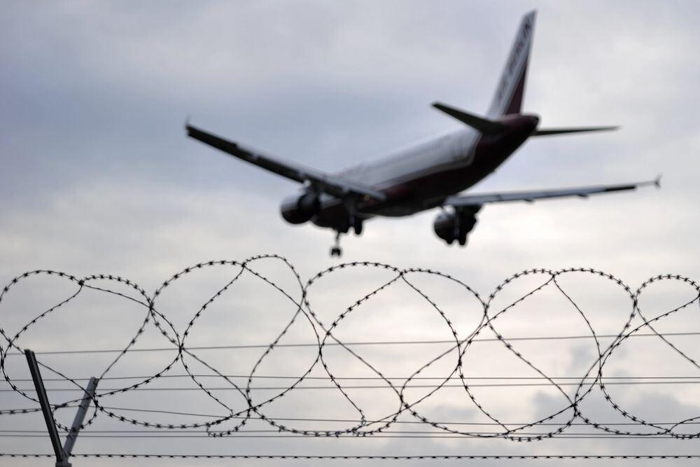 Flughafen stuttgart direktflug in die usa gestrichen - Reutlinger generalanzeiger wohnungsanzeigen ...