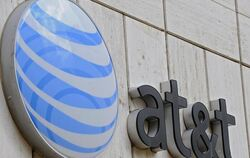 Das Logo von AT&T an der Firmenzentrale in Dallas. Foto: Larry W. Smith