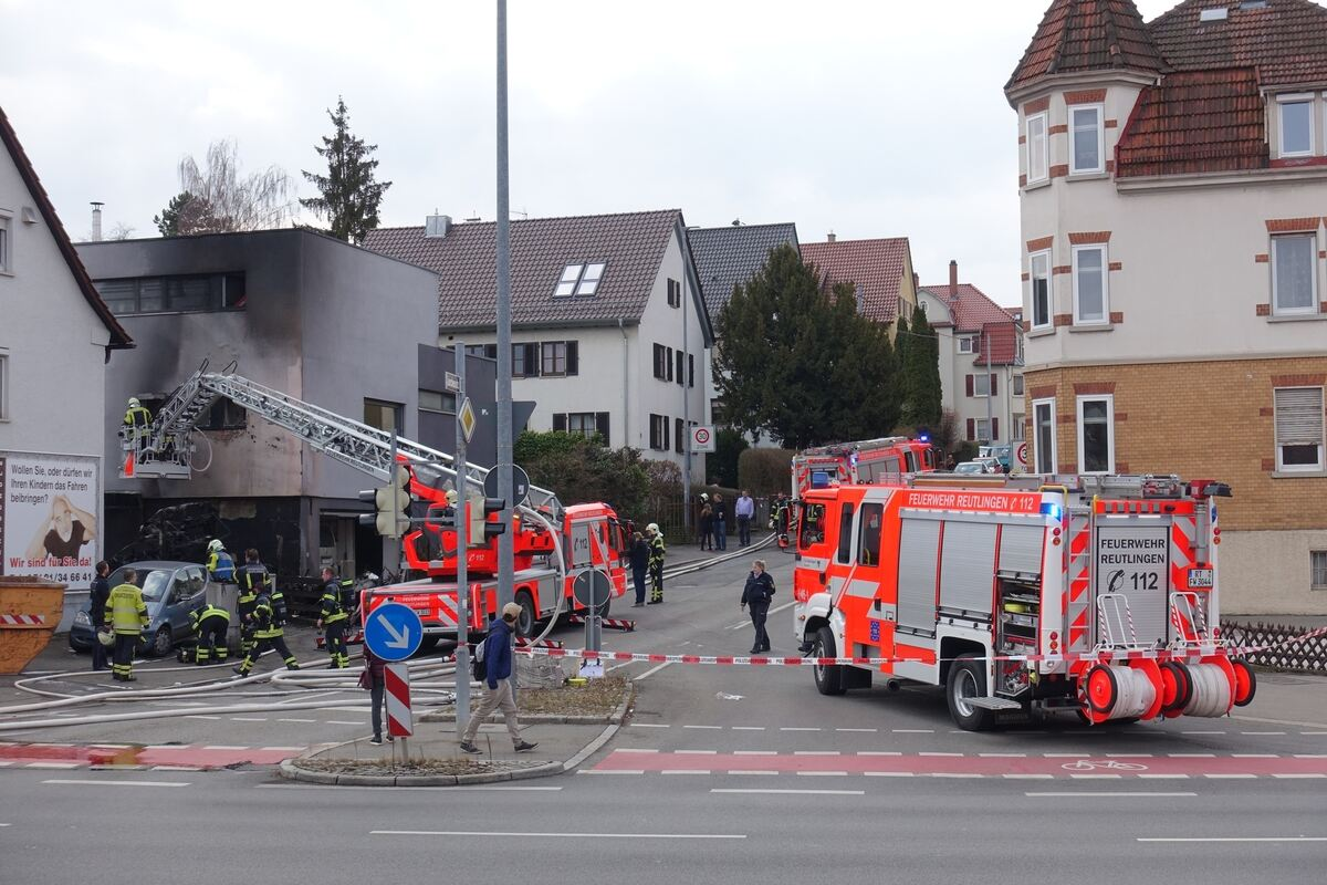 Wohnmobil abgebrannt haus knapp gerettet blaulicht for Reutlinger general anzeiger immobilien