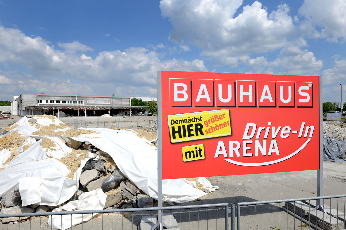 Platz F Rs Neue Bauhaus Real Geb Ude Wird Abgerissen