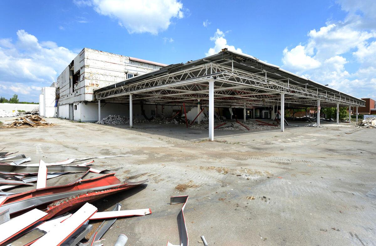 Platz F Rs Neue Bauhaus Fr Herer Real Supermarkt Wird