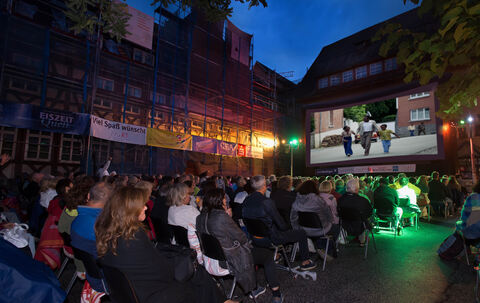 101-4214130 Open Air Kino Trinkhaus