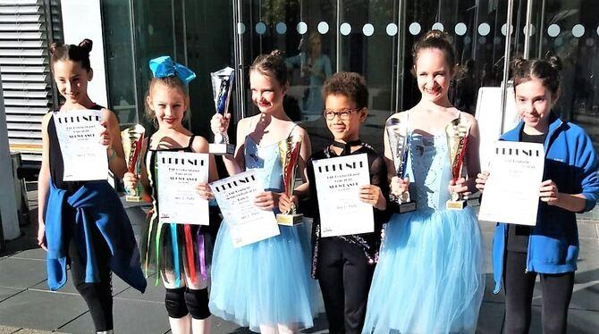 Die erfolgreichen Kinder der Ballettschule »Dance Performance« (von links): Mia Cabraja, Sofia Koch, Alessia Lusanov, Serge Ano