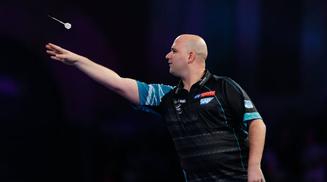 Weltmeister Rob Cross in Aktion. FOTO: DPA