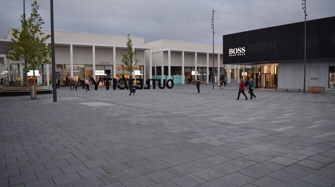 Hinter Boss in Metzingen wird es grün - Neckar + Erms ...