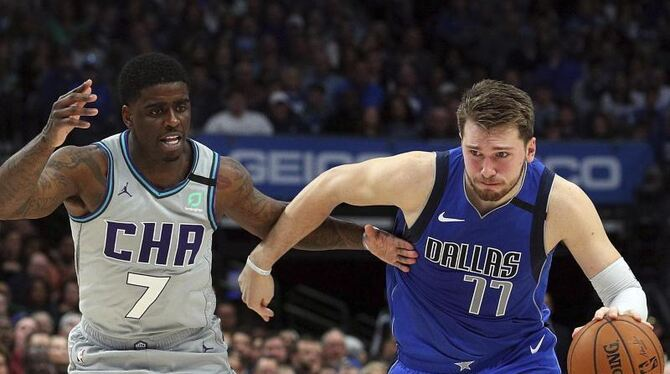Dallas Mavericks - Charlotte Hornets