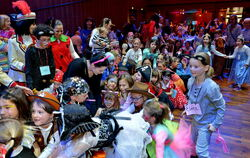 Kinderfasching in der Reutlinger Stadthalle.