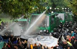 Demonstration im Stuttgarter Schlossgarten